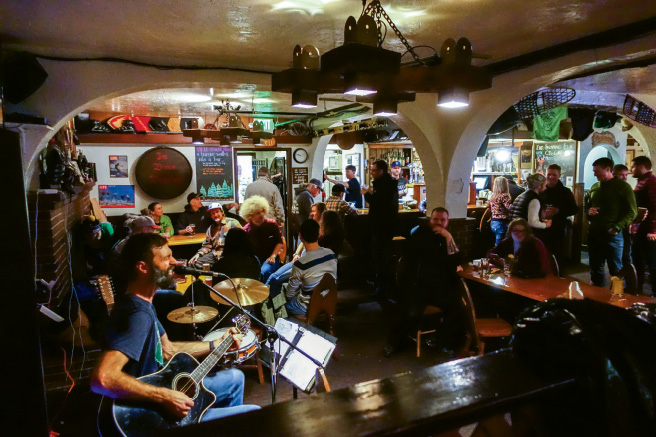 Live music at the Snorting Elk on Fridays and Saturdays
