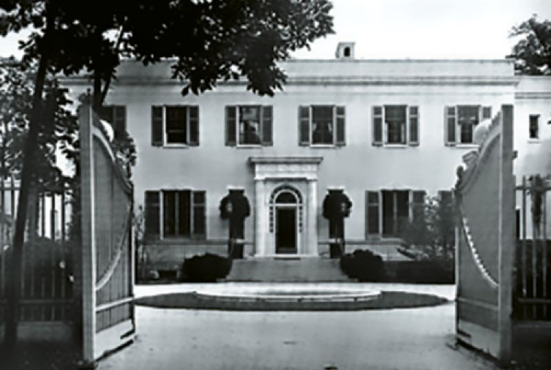 "1927: Andrew Mellon bought ""Three Ponds""—Victor's 100-acre Long Island estate with a 32-room mansion and sunken gardens—as a Christmas gift for his daughter."