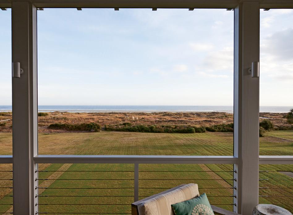 The soothing vista of an endless horizon makes a breathtaking backdrop.