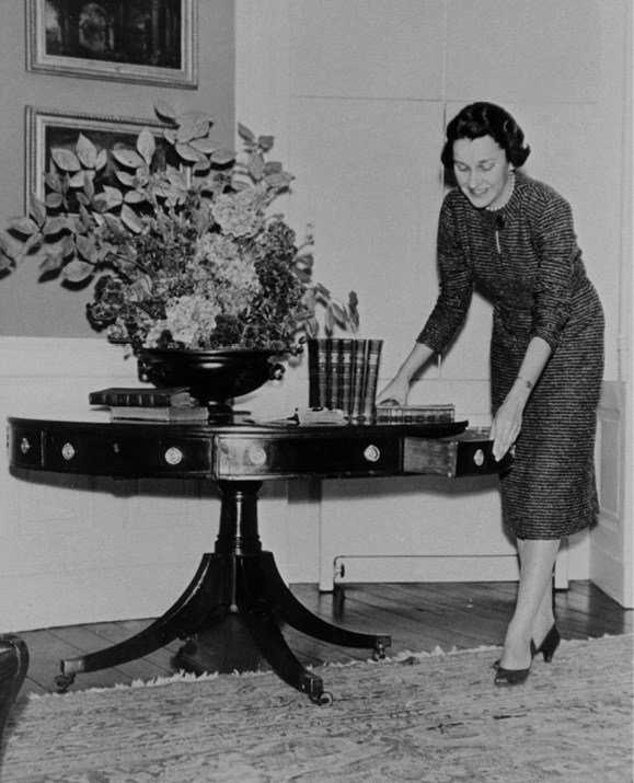 Historic Charleston Foundation's Frances Edmunds readies a home for tour-goers in the 1950s.
