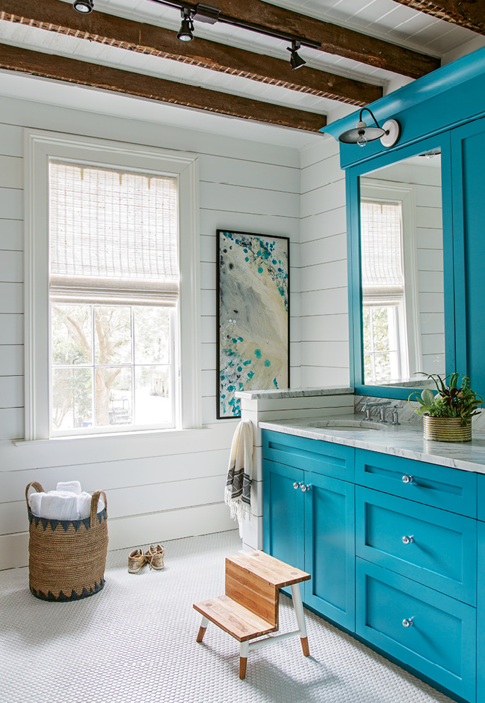 """BEAM ME UP: During the renovation, the Rosens discovered old wood ceiling beams in the kids' bathroom. """"We thought they were so wonderful, we left them exposed,"""" says Melanie."""