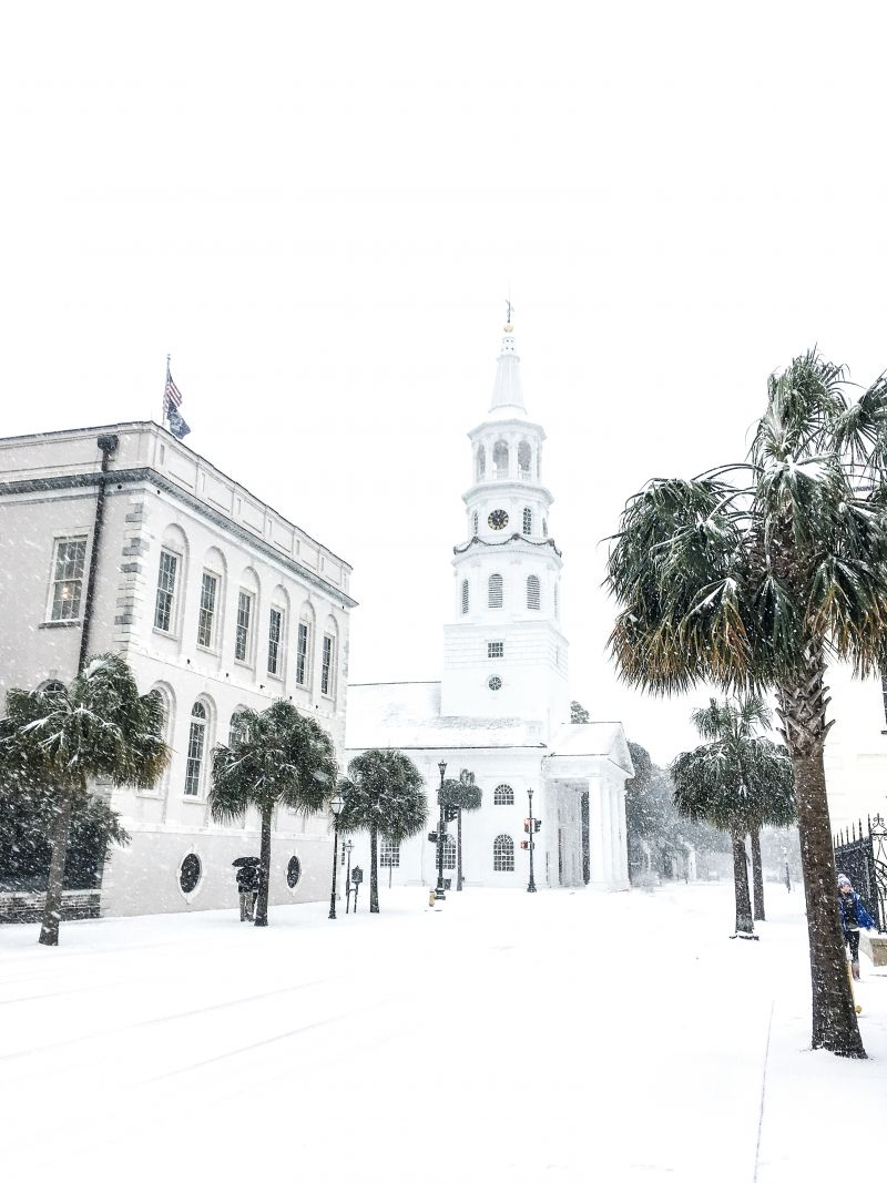 <strong>Four Corners of Law: </strong>Few braved Broad Street while the frozen flakes came down; <em>photograph byMolly Wickham</em>