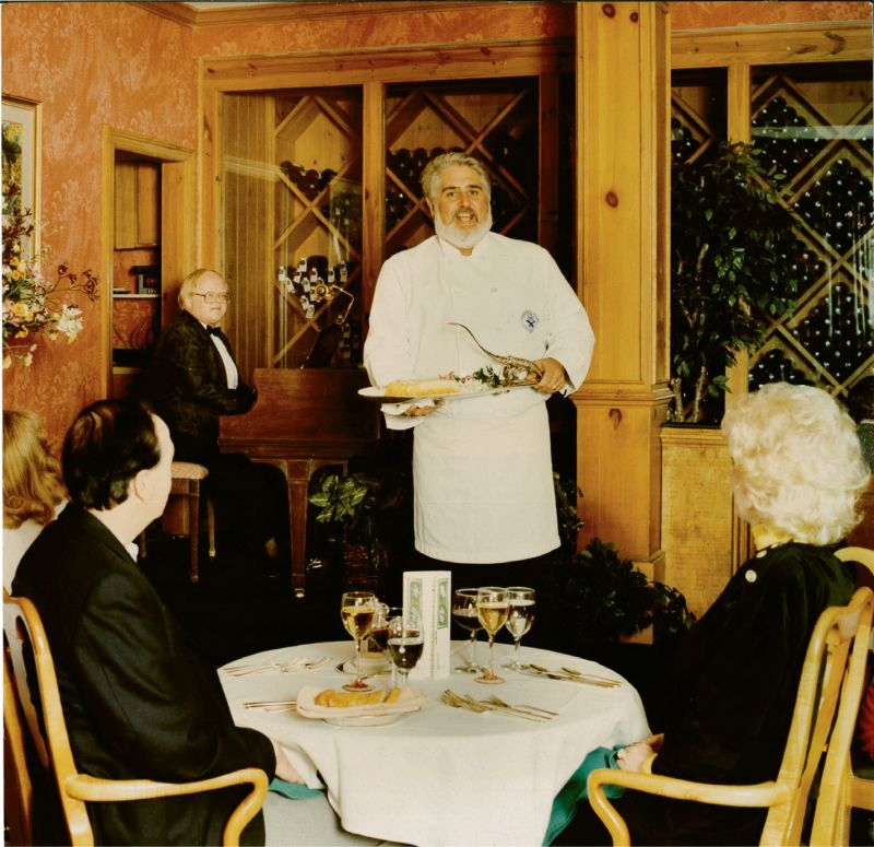 """At Robert's of Charleston, """"Singing Chef"""" Robert Dickson combined two of his considerable talents: operatic singing and haute cuisine."""